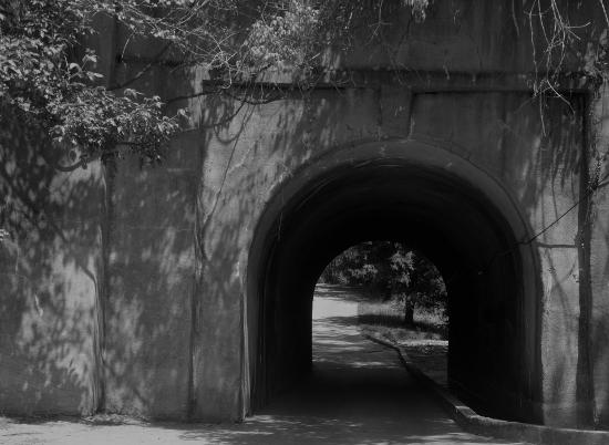 55-lostlake-tunel-mono_8008